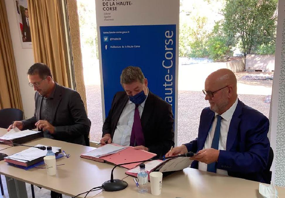 Le CRTE signé entre l'État, Marana-Golo et la CAB
